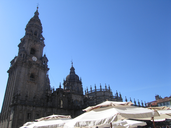 catedral sombrillas